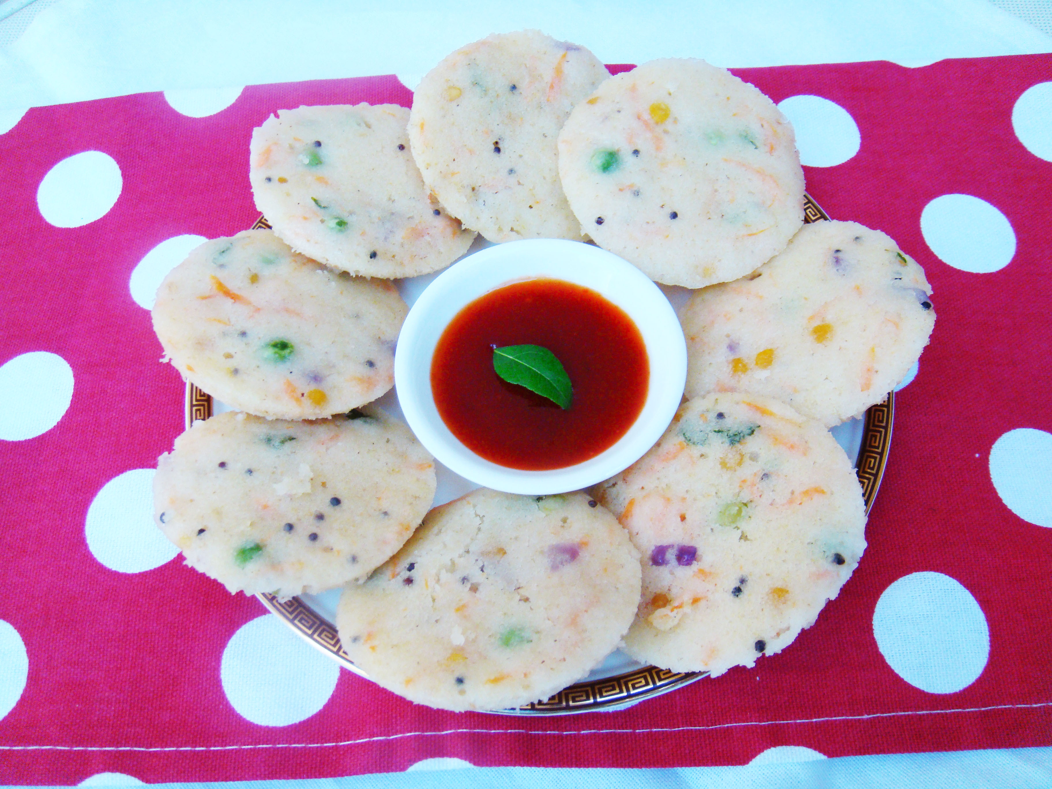 Instant Vegetable Rava Idli/ easy to make rava idli