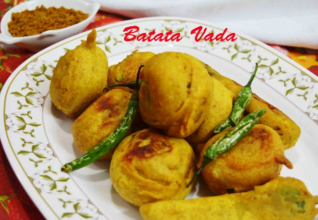 Mumbai Special Batata Vada / How to make spicy batata vada