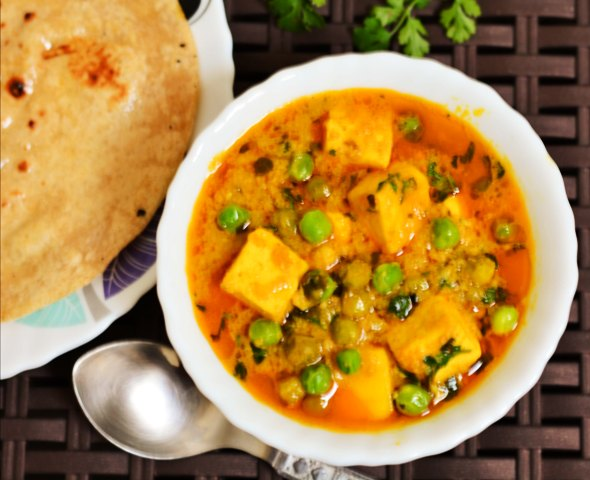 how to make matar paneer restaurant style