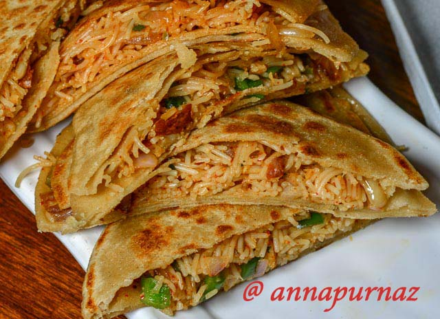 Vermicelli Pocket Paratha / Vermicelli Stuffed Spicy Pocket Paratha