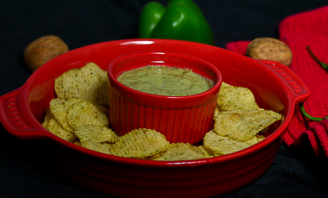 Roasted Spicy Green Bell Pepper Dip / Roasted Capsicum & Walnut Dip